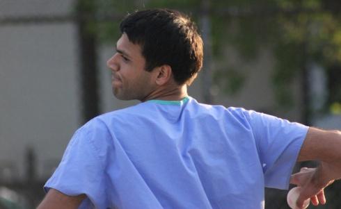 Gaurav Mowed Through the Ham Slams En Route to a 4-2 Victory
