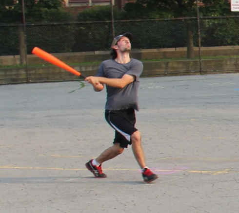 Bob continued his stellar 2014 season with 3 homers and 6 RBI in the Questionable Outfit win